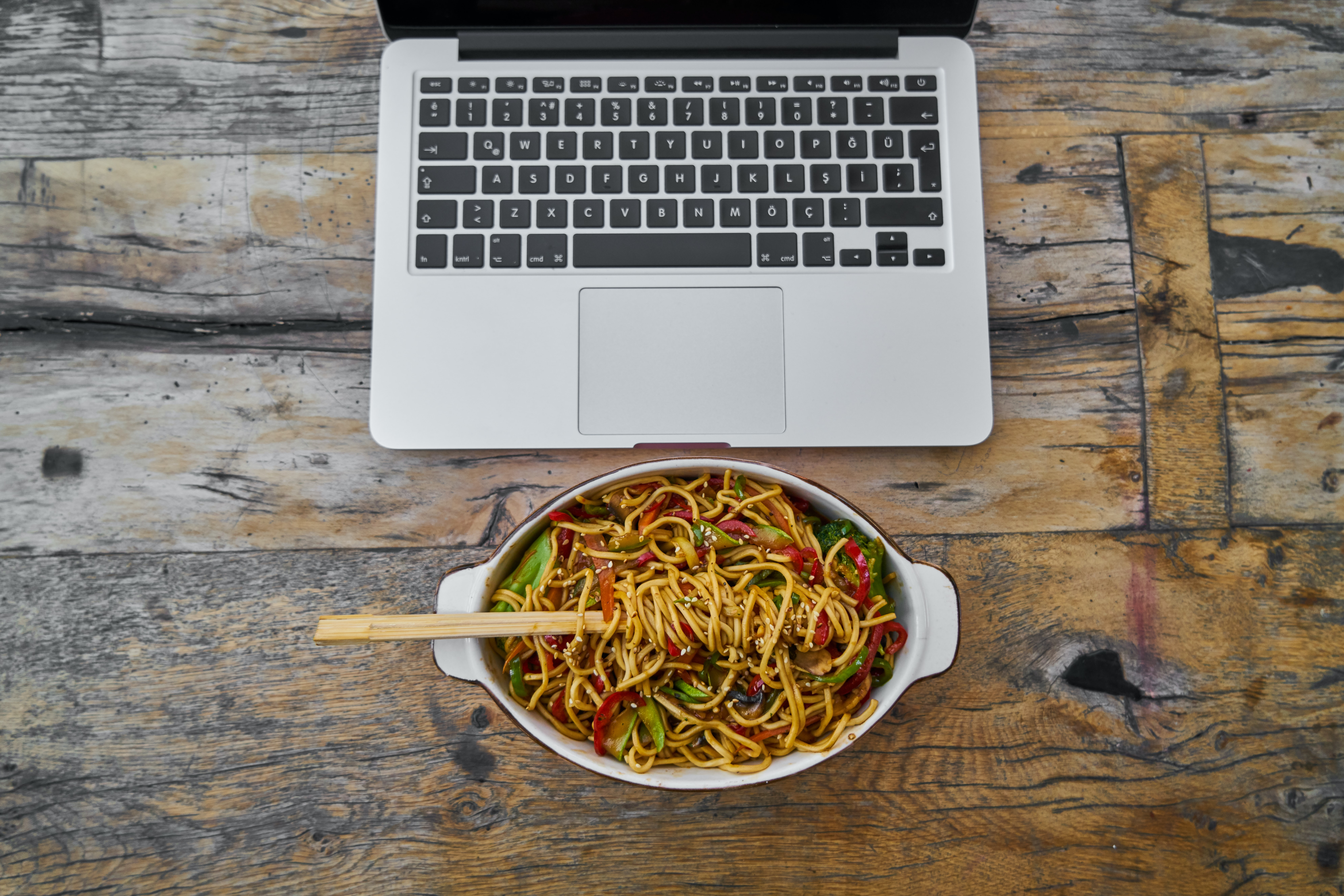 B2B Sales Tips: Using Meals to Turn Your Cold Calls Into Meetings