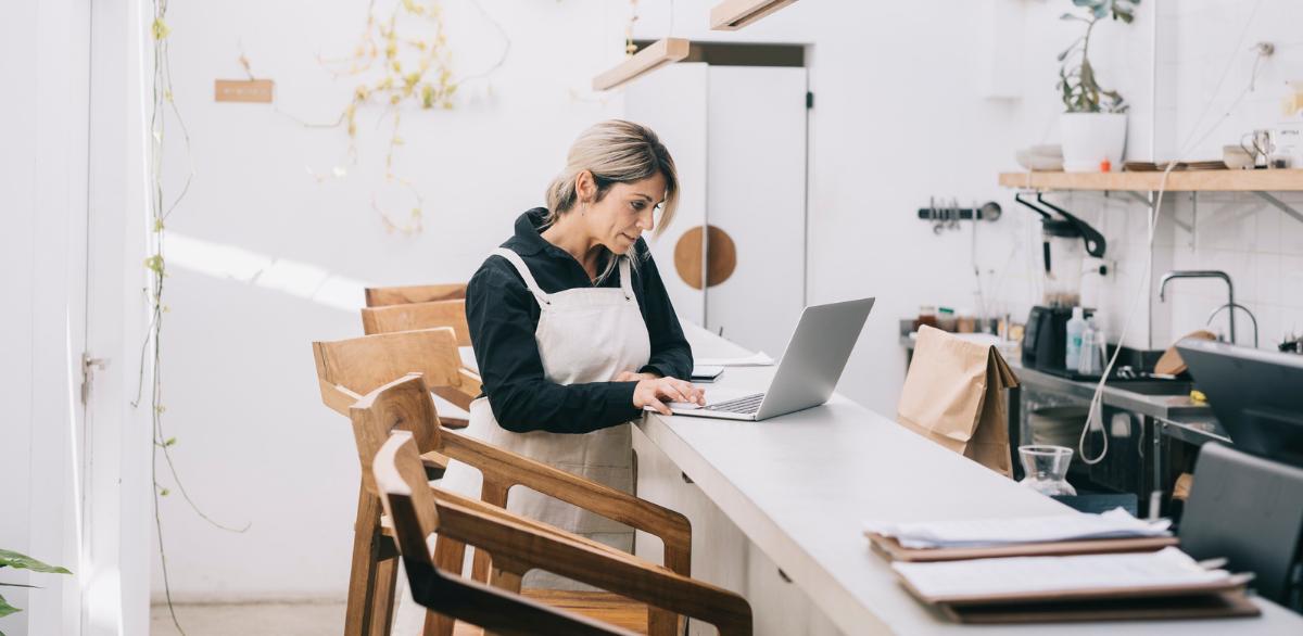 a restaurant owner building her restaurant business plan