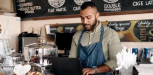 restaurant owner adjusting their grubhub hours